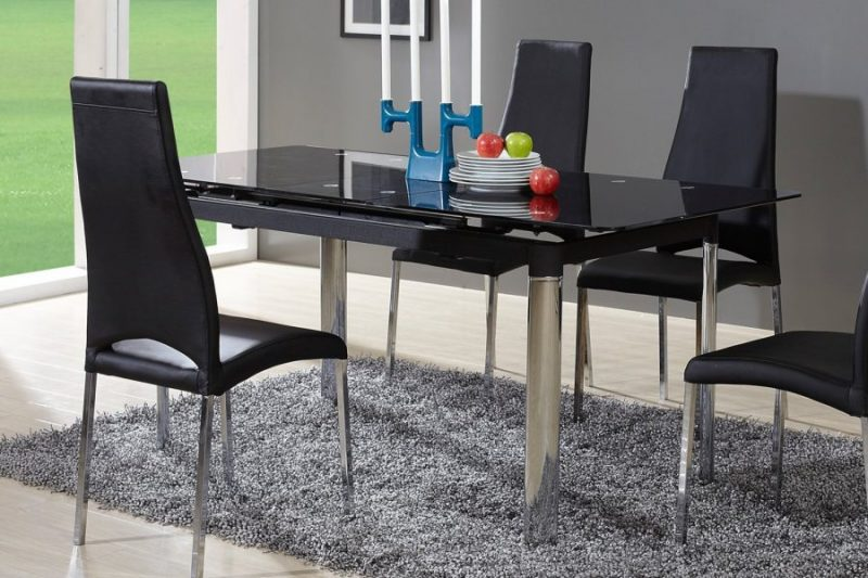 Стеклянный стол на кухне: то, что надо!