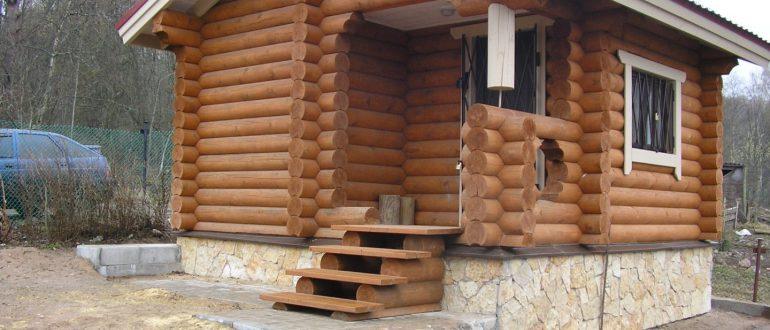 Особенности домов и бань из оцилиндрованного бревна