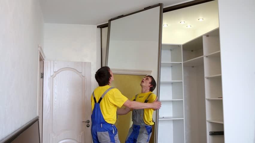 Технология установки зеркального шкафа