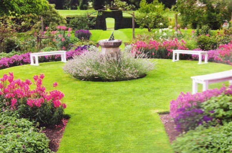 Красивый газон как неотъемлемый элемент ландшафтного дизайна