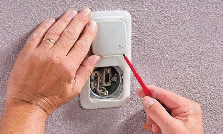Как самому заменить электрическую розетку
