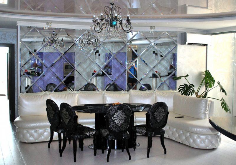 Использование стекла и зеркал в декорировании интерьеров разных помещений