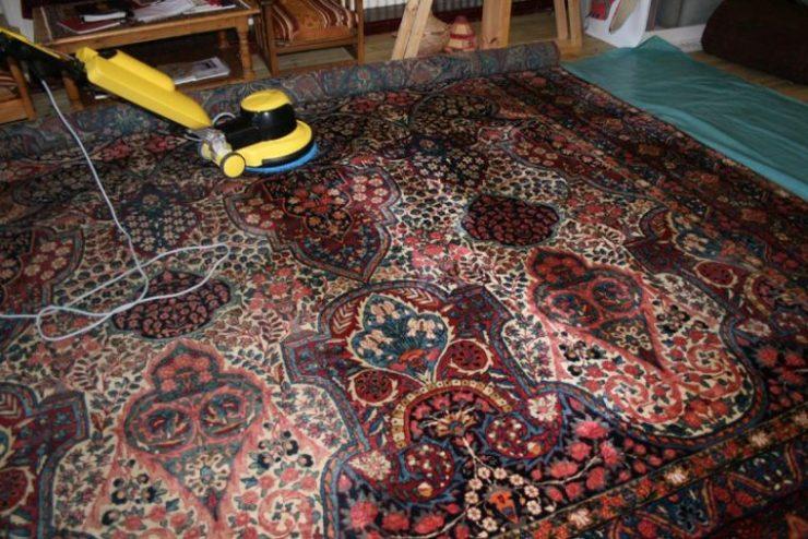 Сохраним ковры чистыми: поможет химчистка!